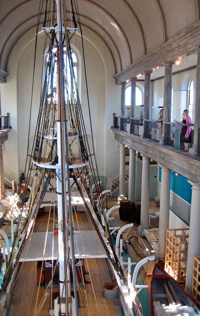 800px-New_Bedford_Whaling_Museum_interior